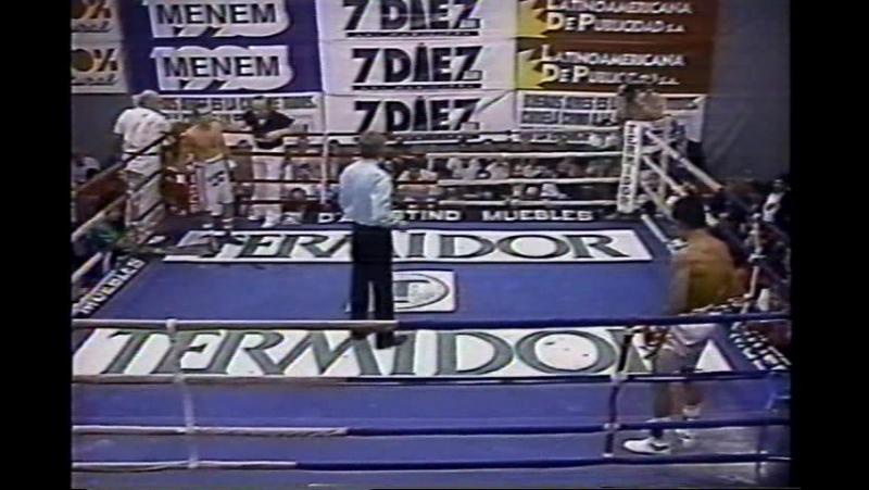 Marco Antonio Barrera vs Carlos Gabriel Salazar (13-04-1994)
