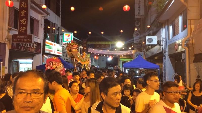 Просто вечер в китайском квартале
