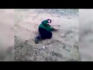 В Дагестане молодые люди дали пощечину бабушке