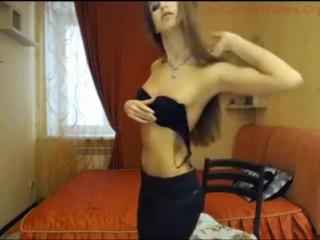 KatrinaDollX aka Avrildoll радует своим телом и красивым личиком. Показывает грудь попку мастурбирует на камеру голые сиськи [72