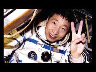 Смотреть всем! Космонавты спалились! Космоса нет!
