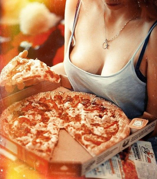 Самая сексуальная доставка пиццы  14675