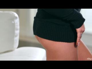 Kathrynn St-Croixx - Чёрный свитер