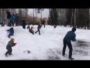 Разминка перед игрой в снежки