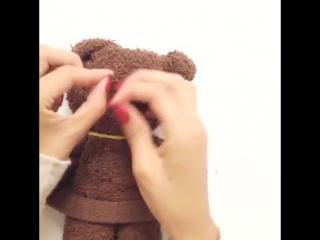 Как сделать мишку из полотенца. Игрушка и просто красивый декор!