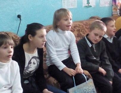 Совет ветеранов МОМВД «Зеленчукский» поздравили воспитанников школы-интерната села Хуса-Кардоник  с Международным днем защиты детей