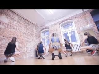 Sexy Russian Twerk Team Choreography - YouTube_0_1471787685631