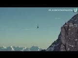Экстремалка прошла 52 метра по верёвке на высоте 2800 метров