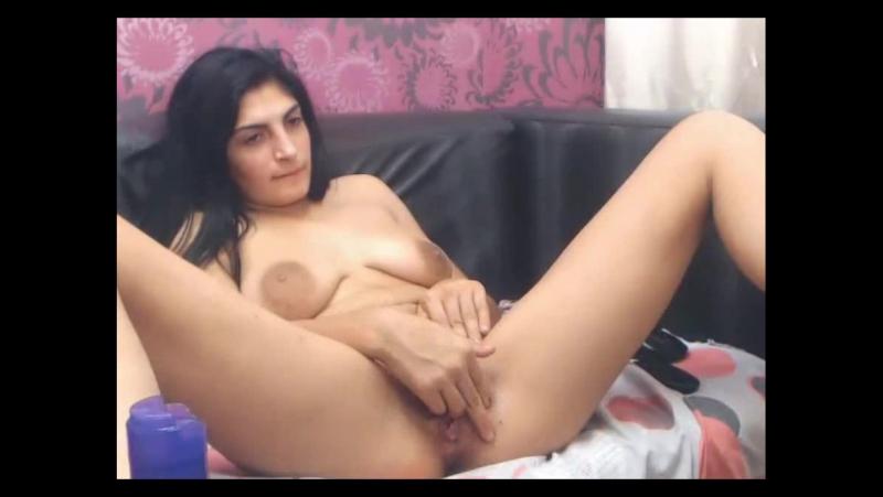 domashnee-video-porno-video-armyanka-masturbiruet