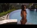 Супер сексуальная бразильянка в микро бикини