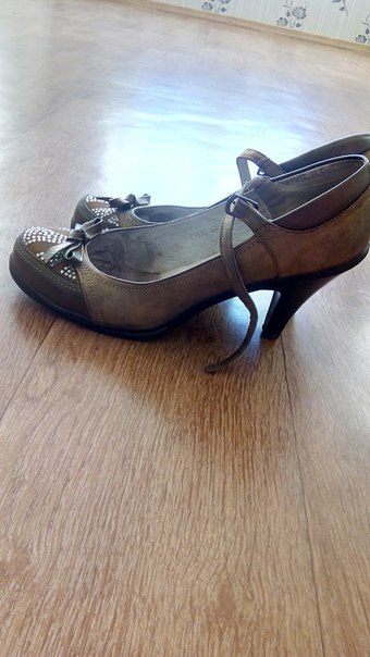 Отдам даром, туфли 39 размера. Сухарево. Писать в лс