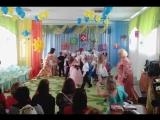Папы и дочки танцуют мамы плачут