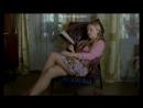 Завлекает ножками - Юлия Пересильд в сериале Заколдованный участок (2006) - Серия 9 (Факт жизни не доказан)