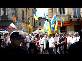 Как поляки разогнали бандеровский марш в польском Перемышле (26.06.2016)