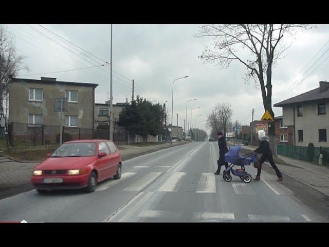 Reakcje pieszych na przepuszczenie przez przejście