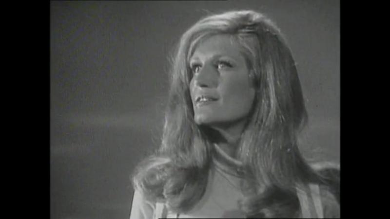 Dalida - Les violons de mon pays / 12-06-1969 Musicolor » Freewka.com - Смотреть онлайн в хорощем качестве