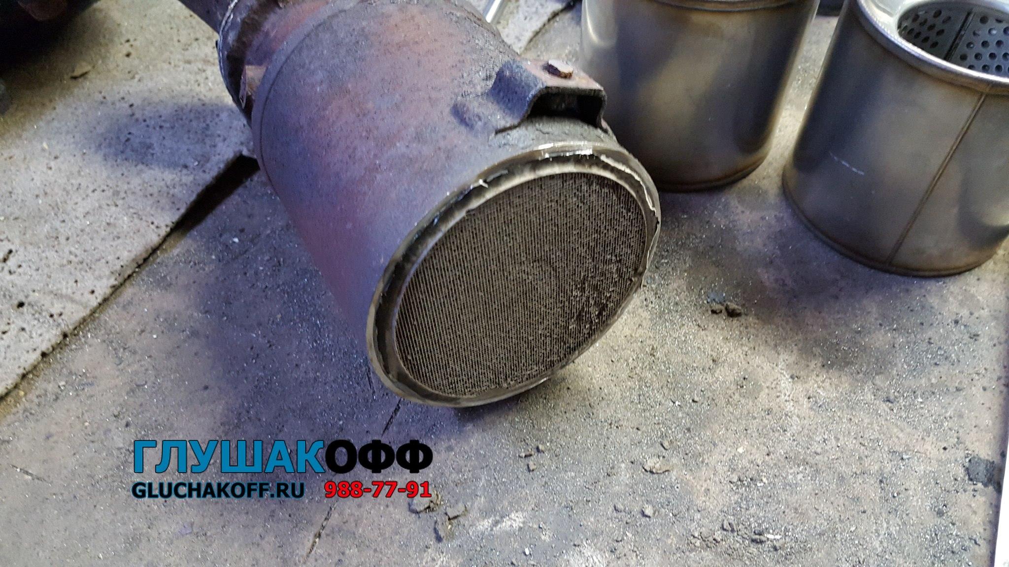 Процесс замены катализаторов на пламегасители в Hyundai Sonata V (NF) 3.3 V6