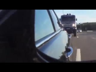 Дакаровский КАМАЗ на трассе! Это надо видеть (6 sec)