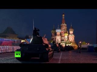 Праздничный концерт «Дороги Великой Победы» на Красной площади (Russia Today, 09.05.2015)