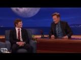 Эван Питерс на Шоу Конана, 4.10.16: о сцене с Джессикой Лэнг и Сарой Полсон