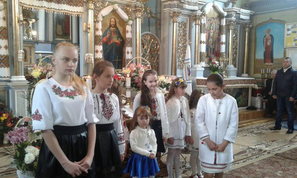 Як в  с. Хом'яківка Тисменецького району вітали з Днем Матері
