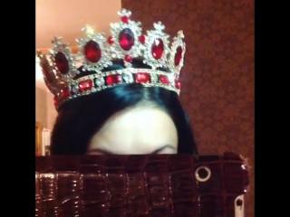 Роскошная корона полного круга! Цвет золото, красные и белые кристаллы!