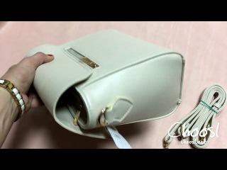 Небольшая женская сумка из кожи нежно голубого оттенка — Choosl