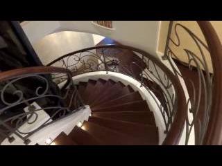 Поручень на винтовую лестницу.