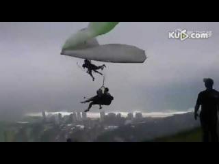 Parapente colisión con ala delta.Paragliding and Delta wing crash.Parapente et deltaplane
