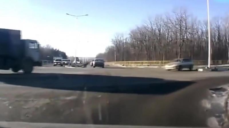 Автоледи_Осторожно за рулем женщины!