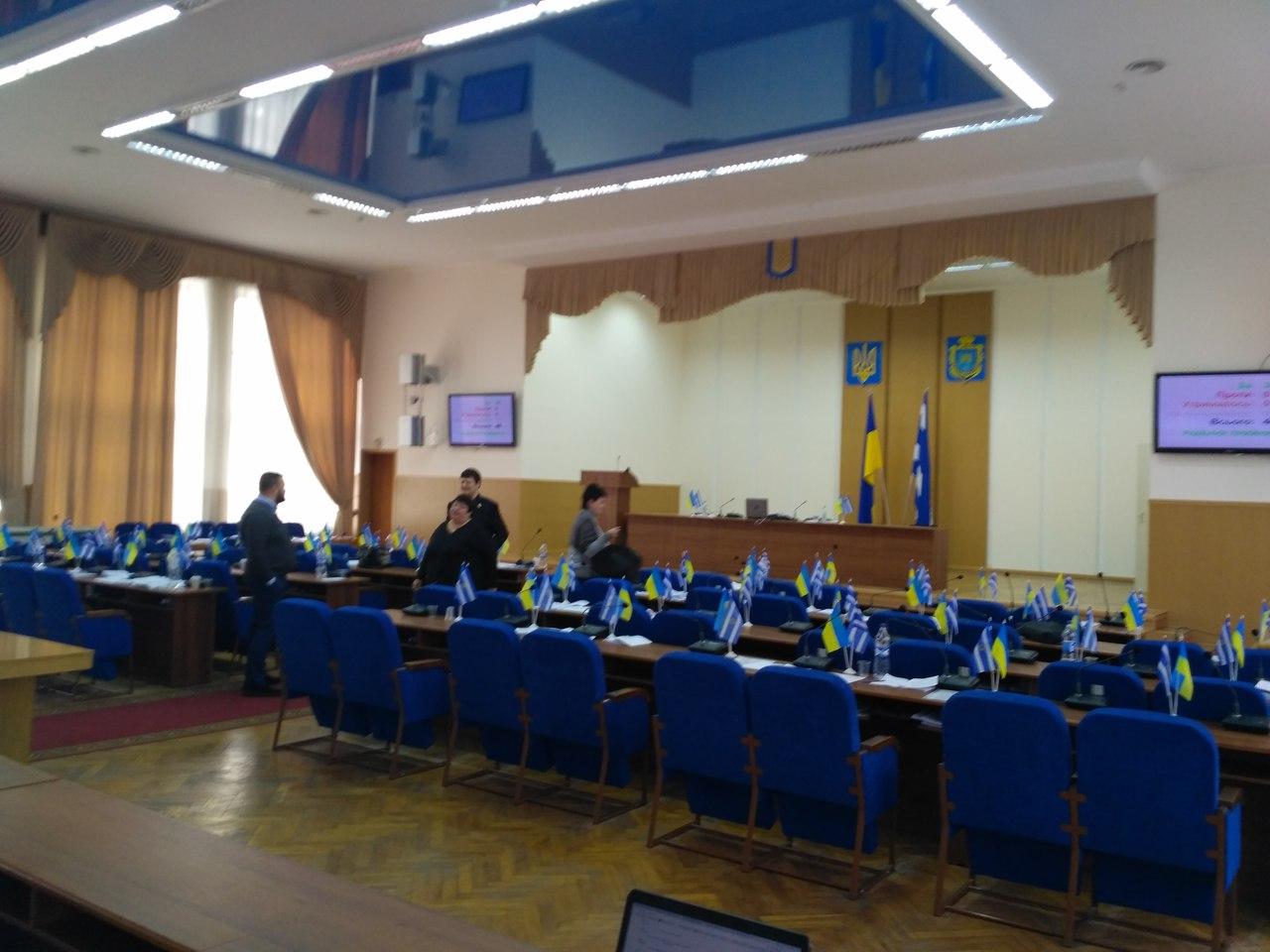 Депутаты забили на сессию городского совета (фото)