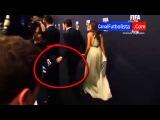 Iker Casillas le coge el culo a Ronaldo | Gala FIFA Balón de Oro 2012 | 07-01-2012