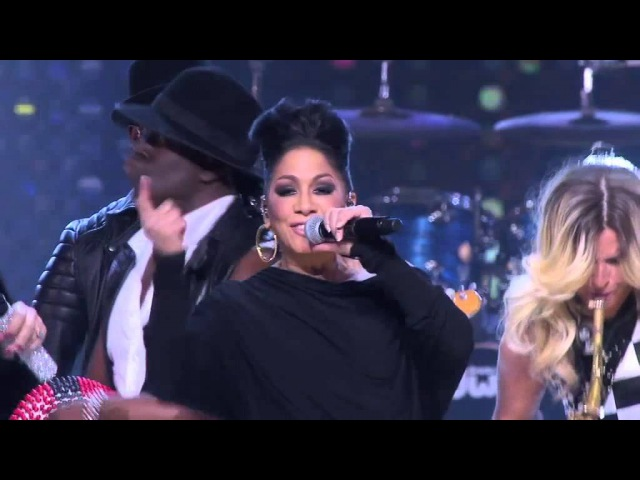 Ladies Of Soul - A Love Bizarre Drumsolo Live At The Ziggo Dome 2015