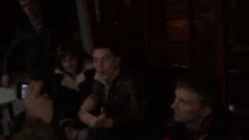 Титушки в Соломенской РДА 24.02.2014(Побили стекла и были пойманы Оказались МВДшники)