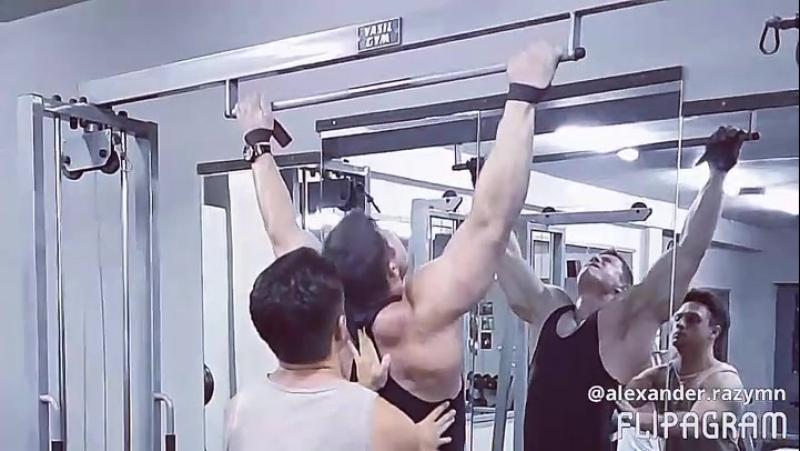 Тренировка спины с Вячеславом Угриновым