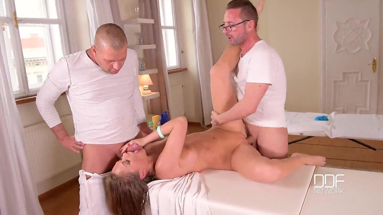 HandsOnHardcore – Tina Kay – Deep Tissue Penetration – Babe Gets Ass Fucked During Massage