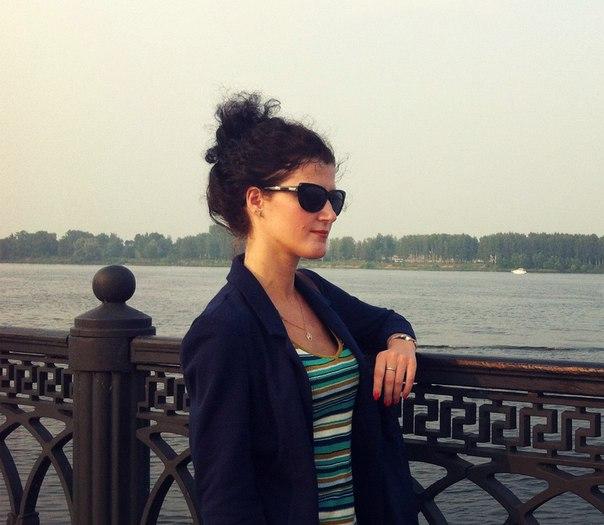 Лена Разумова