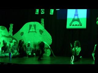 Танец клоунов (Настя и Лиля)