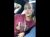 Morgan  Lee и Megan Rain дурачатся в автомобиле