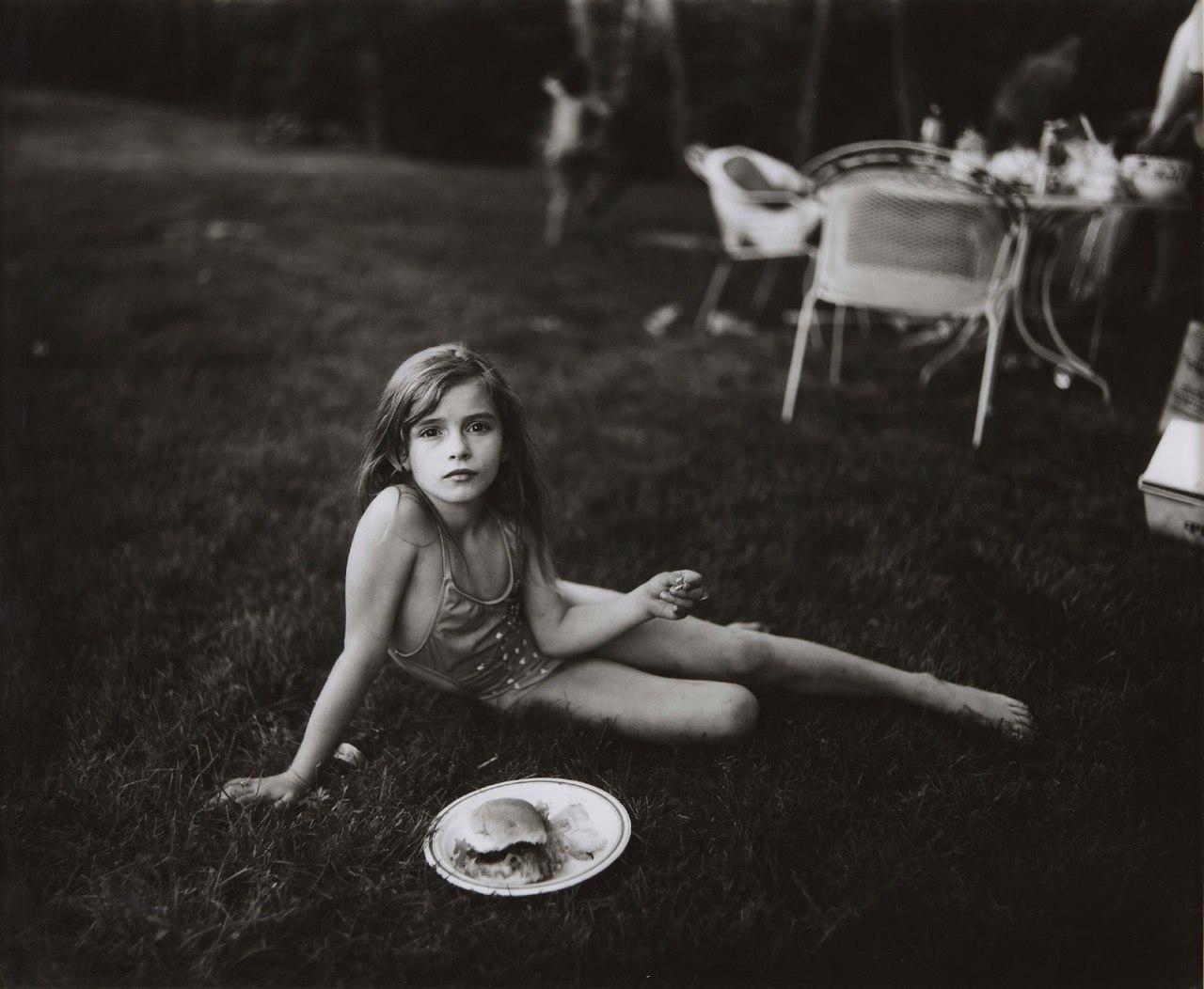 Фото эротика маленькая модель, Девочка созрела? Самые скандальные фотосессии юных 16 фотография