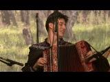 На гармони играет внук Геннадия Заволокина, Григорий Смольянинов