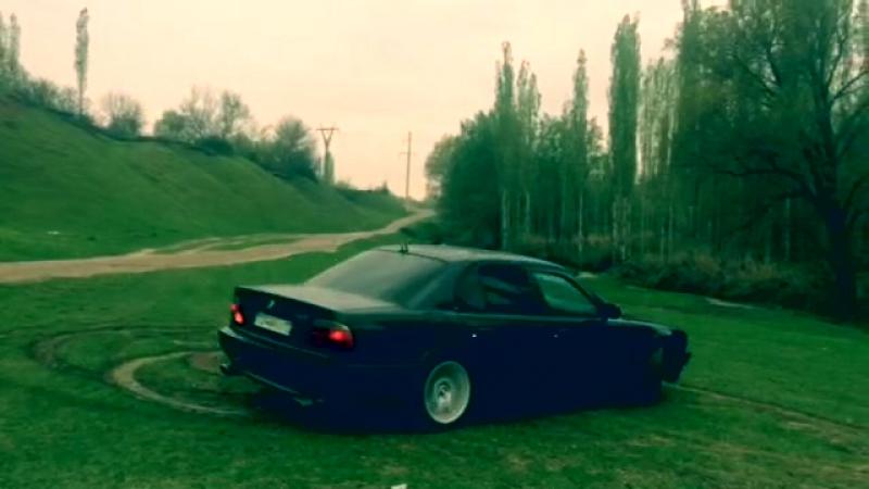 Moi bmw 740i e38 4.4 drift