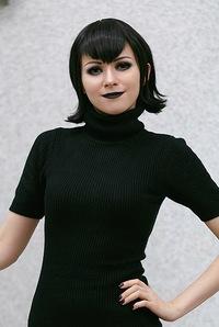 Лена Литвинова