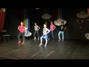 Анечка танцует в Кидбурге😊
