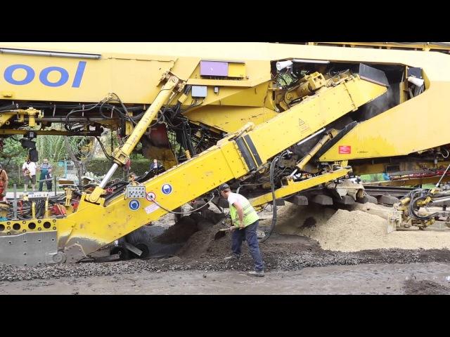 Plasser Theurer PM 1000 URM Eurailpool at work