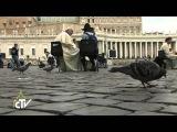 Il Papa confessa i ragazzi in piazza San Pietro