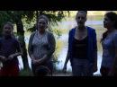 Девочки поют красивую народную песню Рано ты, калинушка.