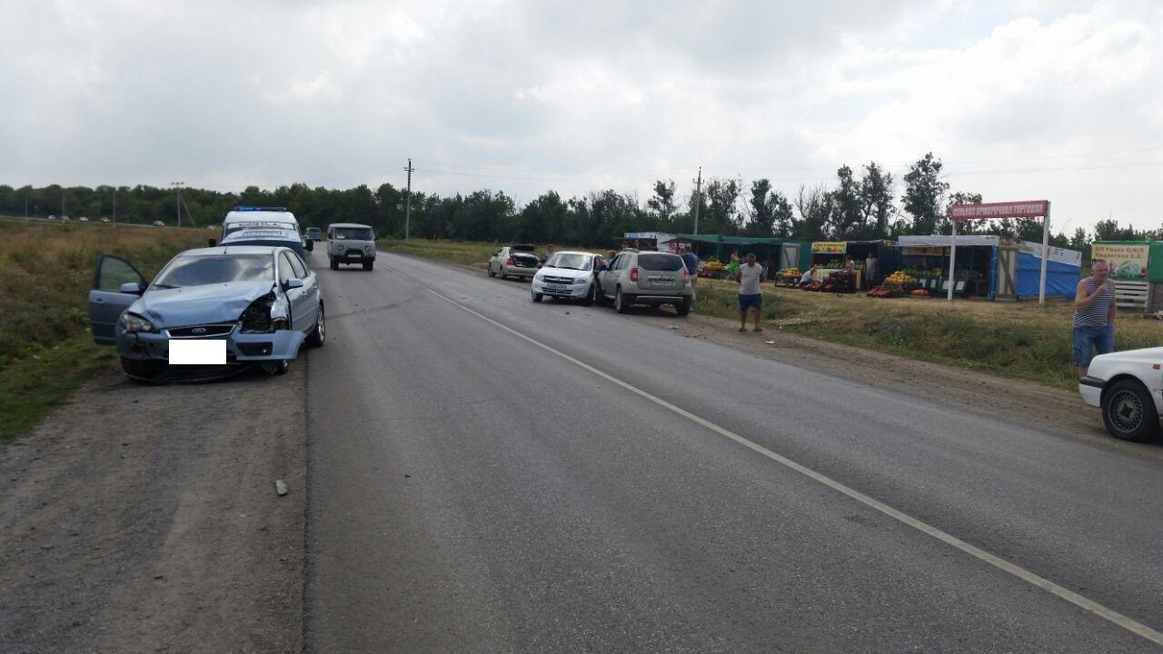 На трассе «Таганрог-Покровское» произошло тройное ДТП, двое пострадавших