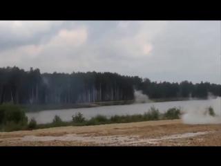 танки грязи не боятся))!
