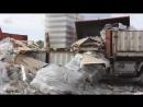 В Сызрани полицейские утилизировали тару и спиртное, изъятое из незаконного обор